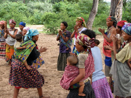 !San women dancing together