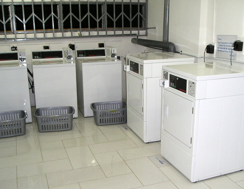 "Ghana Successes: Speedwash Laundromat at University ""Cleans Up"""