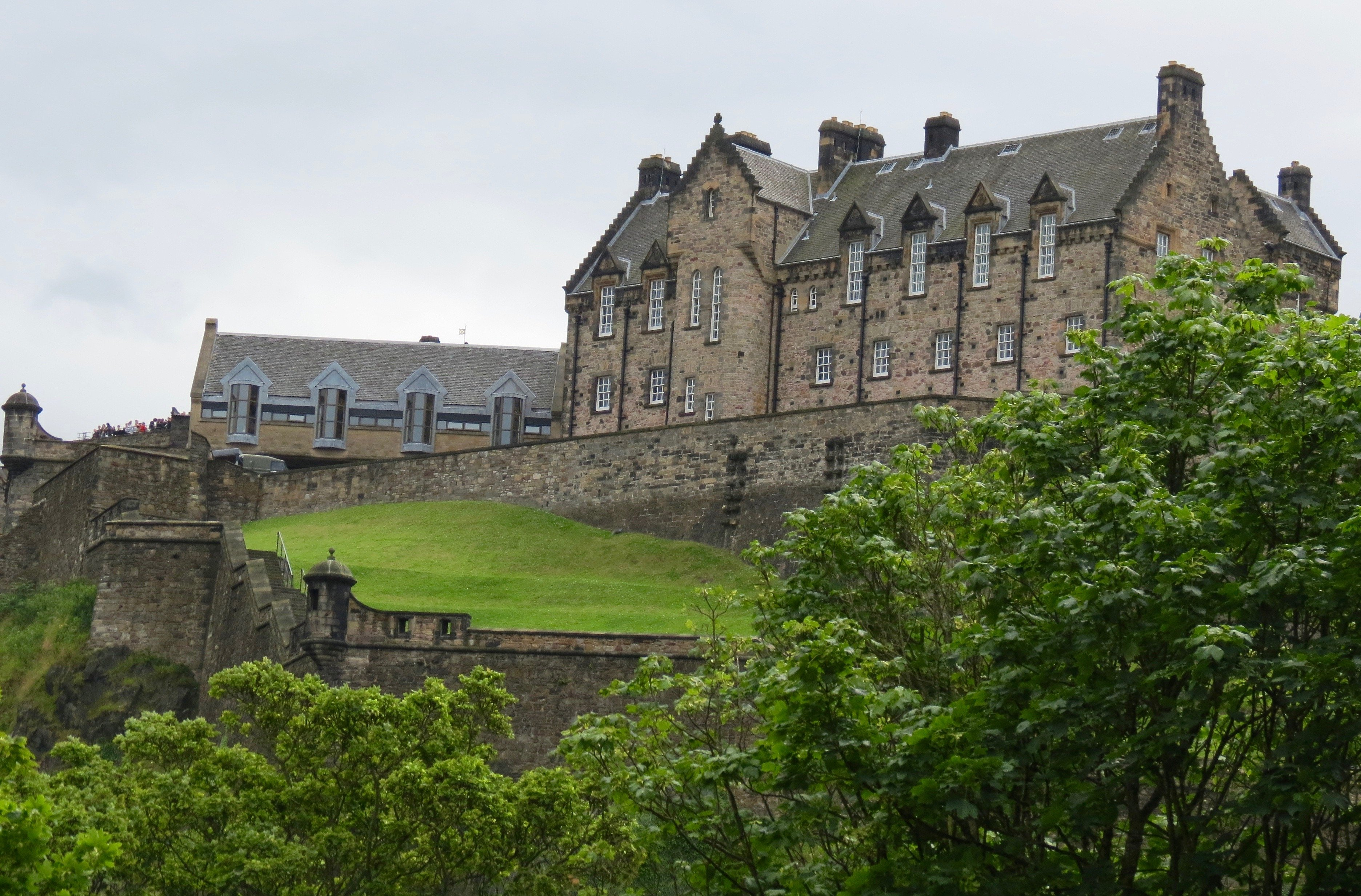 Edinburgh–Crazy in Summer–to Loch Lomond via Stirling